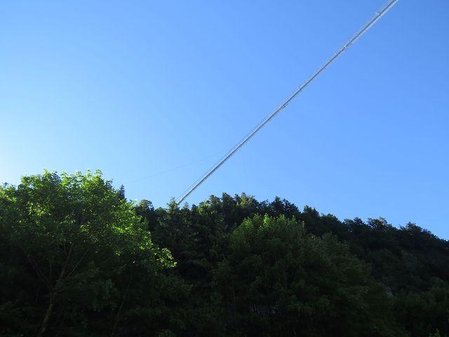 nad parkovištěm z tvrze Klause ve výšce bezmála 115 metrů