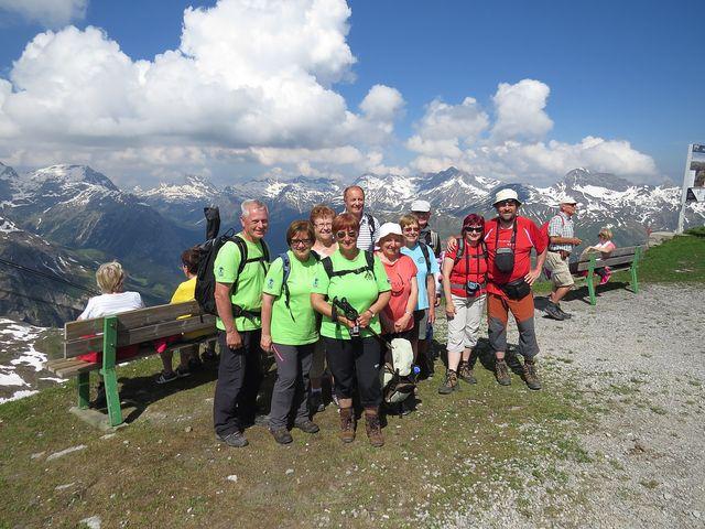 za námi Allgäuské Alpy (foceno na plošině u horní stanice lanovky na Rüfikopf)