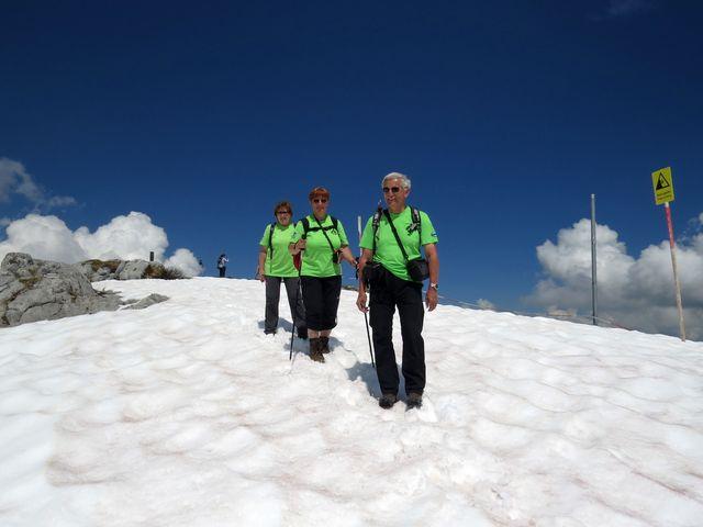 rozsáhlá sněhová pole na Rüfikopf - jsme ve výšce skoro 2 500 metrů
