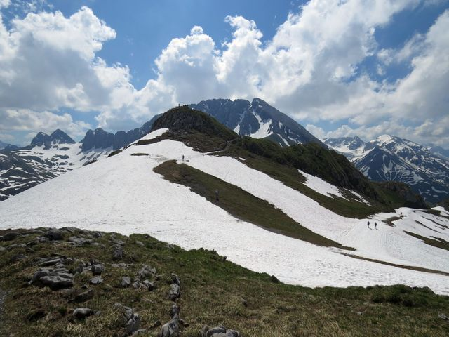 míříme na nižší vyhlídkový vrchol před Rüfispitze
