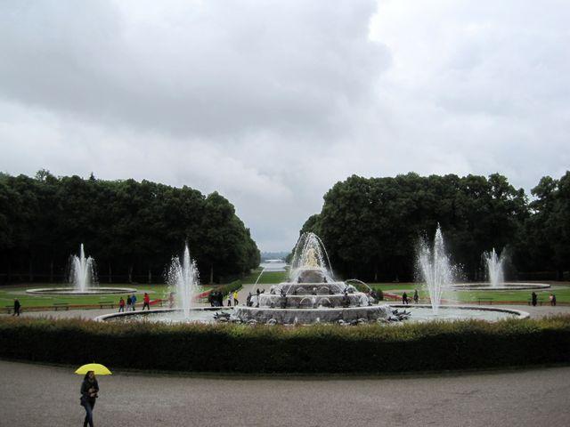 pohled do centrální části parku z terasy před zámkem Herrenchiemsee