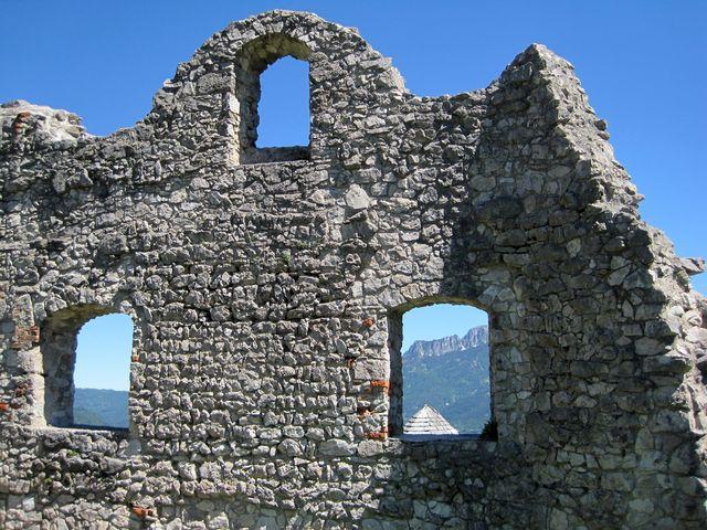 hrad byl vystavěn na konci 13. století