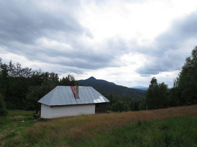 chata u pramene v sedle Machniarka