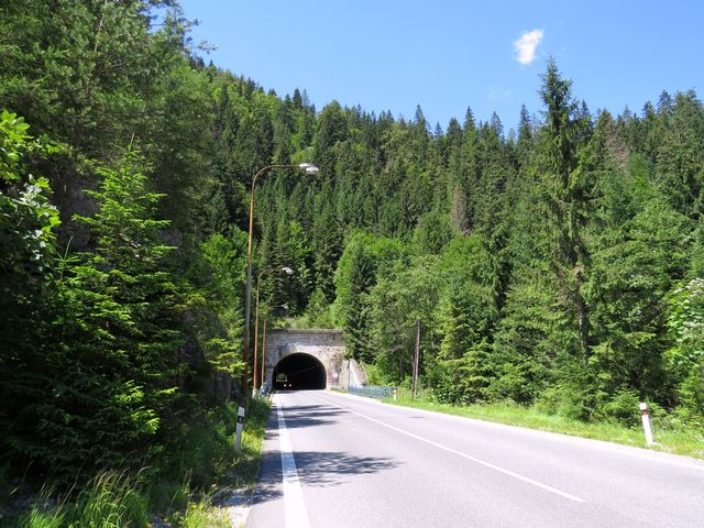 tunel u Stratěnského kaňonu; www.svatosi.cz