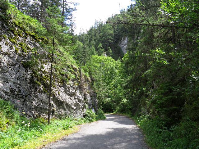 tato cesta vybudovaná v roce 1840 se používala před stavbou tunelu