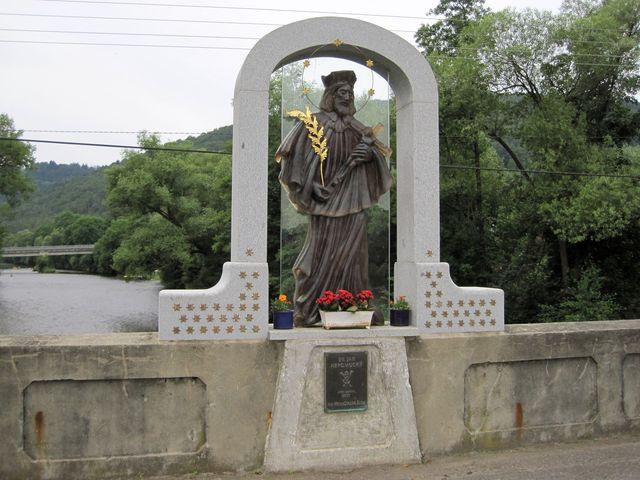 sv. Jan Nepomucký na mostě přes Otavu v Čepicích