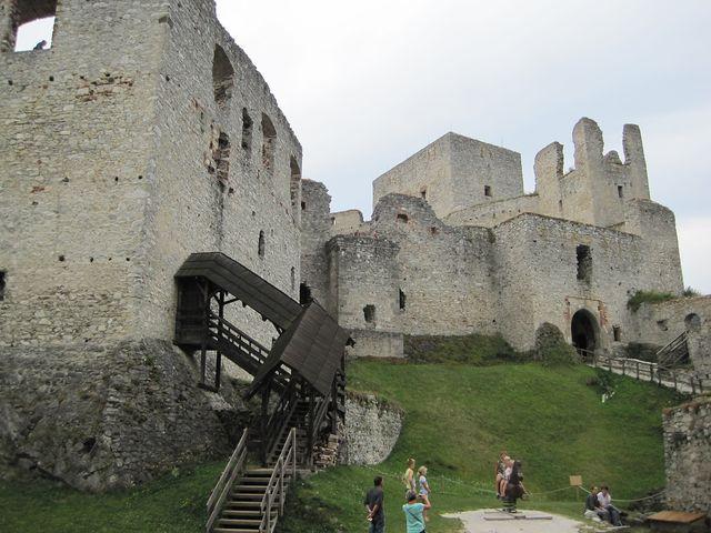 hrad byl dvakrát obléhán a dobyt husity