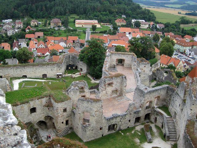 na hradě jsou dva prohlídkové okruhy