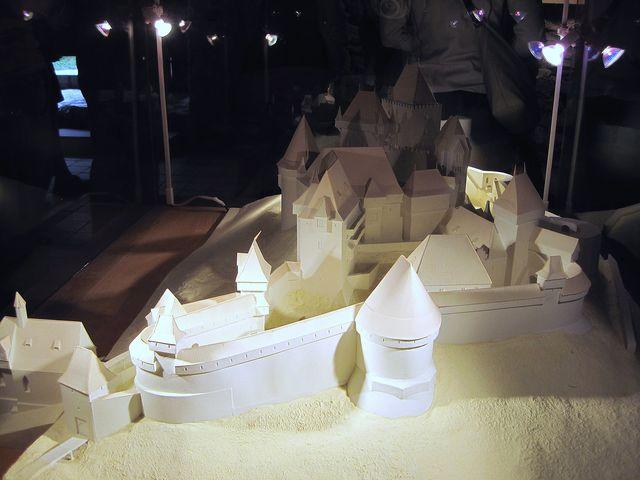 v jedné z bývalých obytných místností je model hradu v době jeho největšího rozkvětu