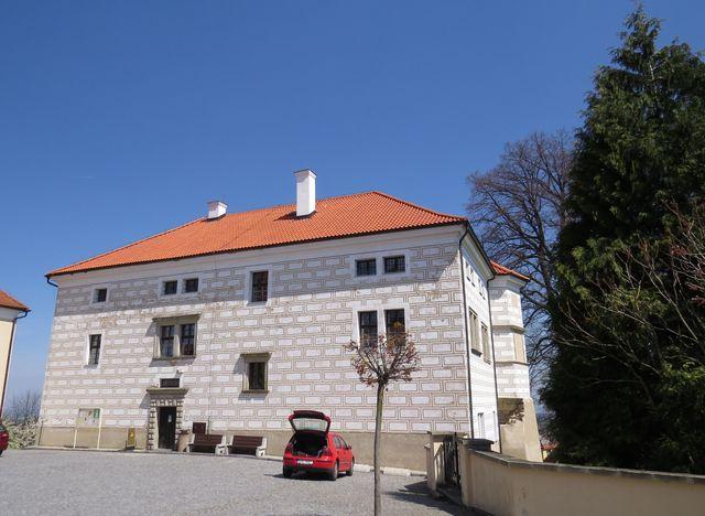zámek v Nasavrkách