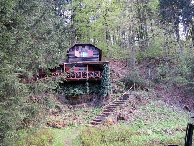 nejstarší chaty v osadě Peklo pocházejí ze 30. let minulého století