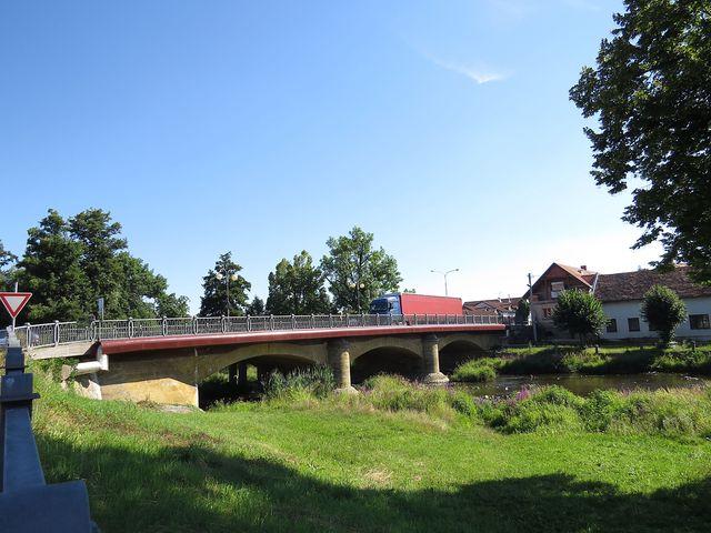 Most knížete Auersperga ve Slatiňanech