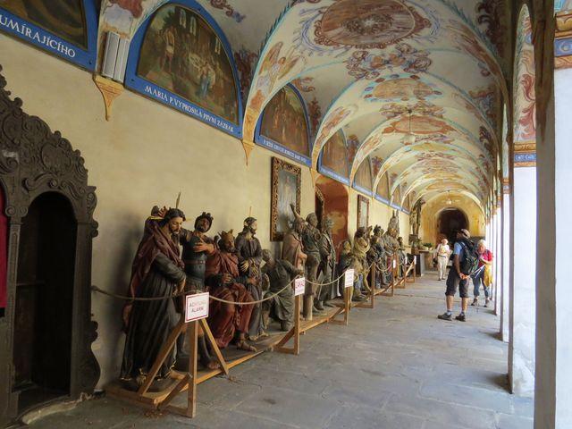 kopie soch z pašijových kapliček římovské křížové cesty