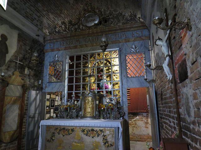 loretánská kaple se soškou Panny Marie