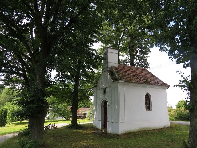 kaple v Lomci