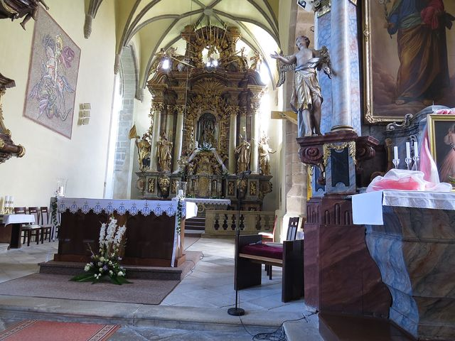 interiér kostela Nanebevzetí Panny Marie v Trhových Svinech