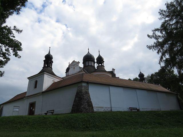 barokní poutní kostel prý byl na začátku 18. století vybudován podle plánů K. I. Dientzenhofera