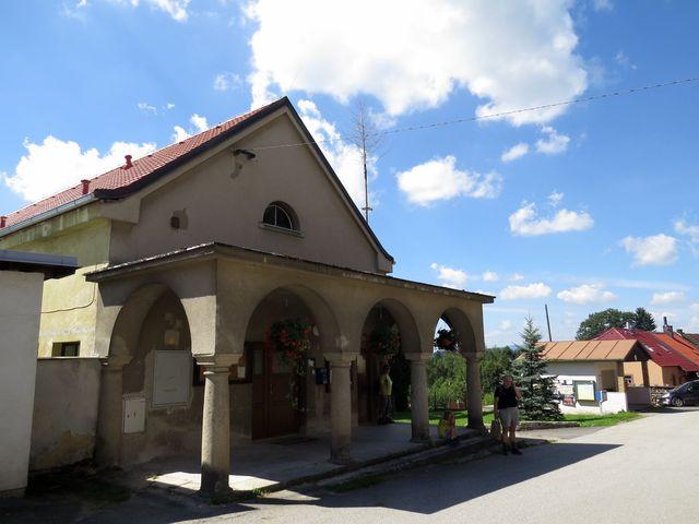 bývalá sýpka v Ostrolovském Újezdě