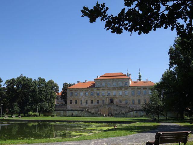 duchcovský zámek - pohled z parku
