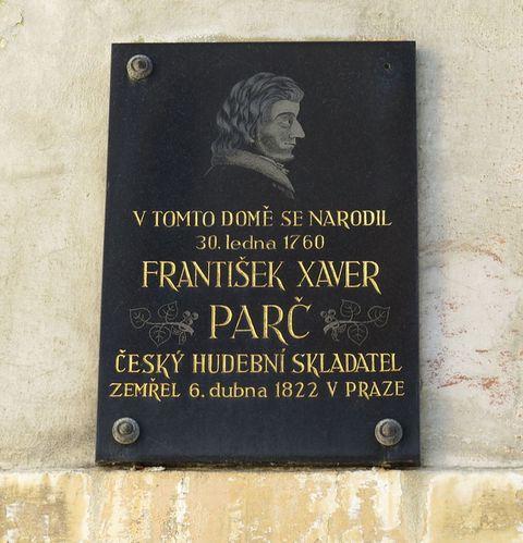 pamětní deska na rodném domě skladatele