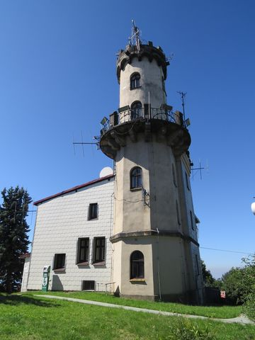 observatoř s vyhlídkovou věží na Milešovce