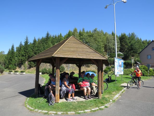 turistické odpočívadlo u hráze Flájské přehrady