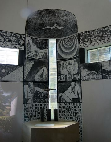 interiér kaple v Bílce