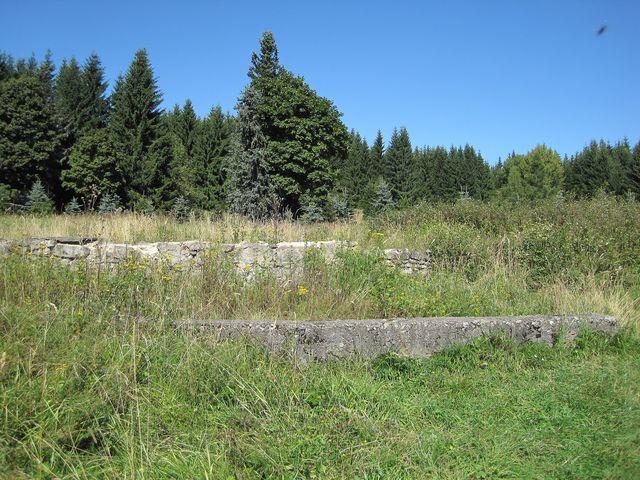 za pár desítek let zmizí i kamenné základy posledních domů