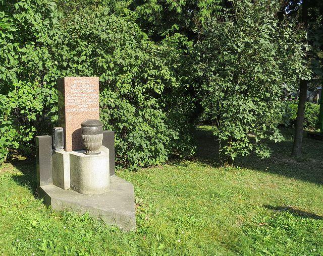 hrob JUDr. Osvalda Haičmana na jihlavském hřbitově