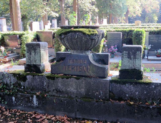 hrob rodiny Tertschových