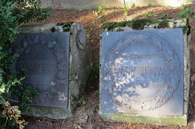 náhrobky Karla Löwa, čestného občana od roku 1917, a jeho manželky Franzisky