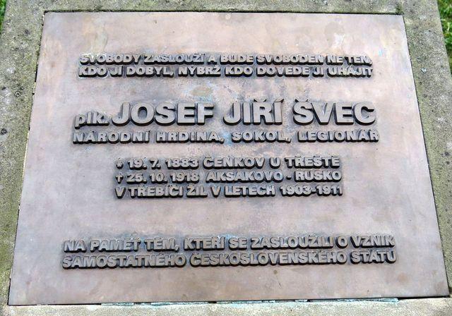 pamětní deska věnovaná plk. Josefu Jiřímu Švecovi