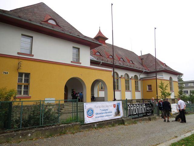 start pochodu byl v sokolovně v Humpolci; www.svatosi.cz
