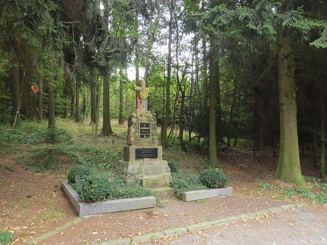kříž na památku padlých rumunských vojáků, kteří osvobozovali Humpolec
