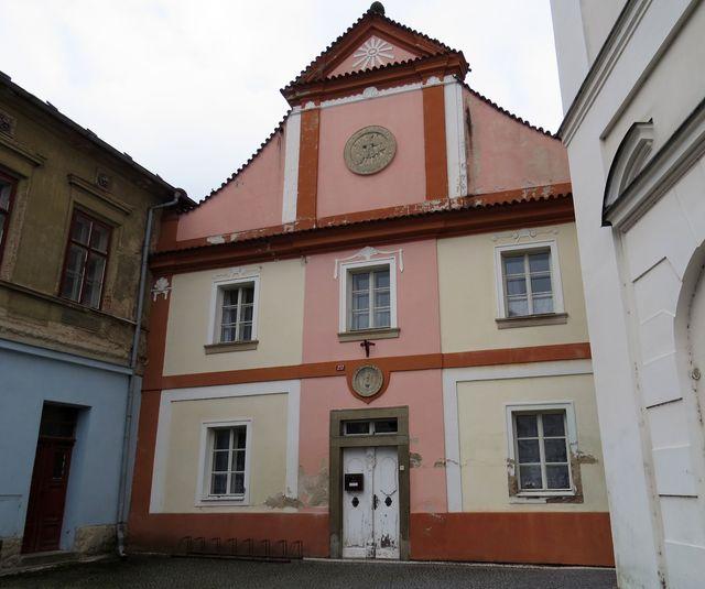 bývalý špitál z roku 1750, dnes Klub seniorů
