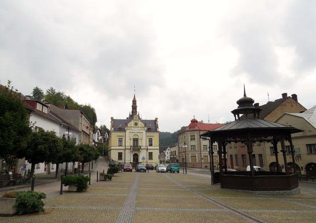 náměstí s radnicí v Brandýse nad Orlicí