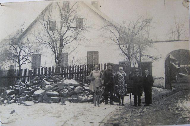 stavení u Doležalů - přibližně 30. léta minulého století