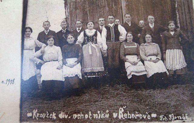 divadelní ochotníci z Řehořova, r.1918