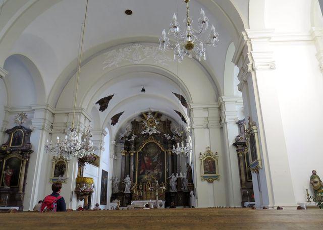interiér kostela Nejsvětější Trojice v Javorníku