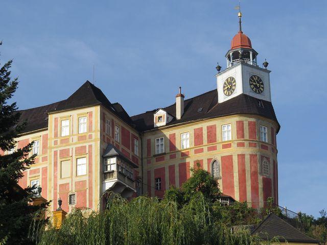 zámek Jánský Vrch patřil až do roku 1945 vratislavským biskupům
