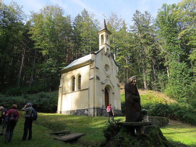 kaple sv. Antonína na Písečném vrchu nedaleko Račího údolí