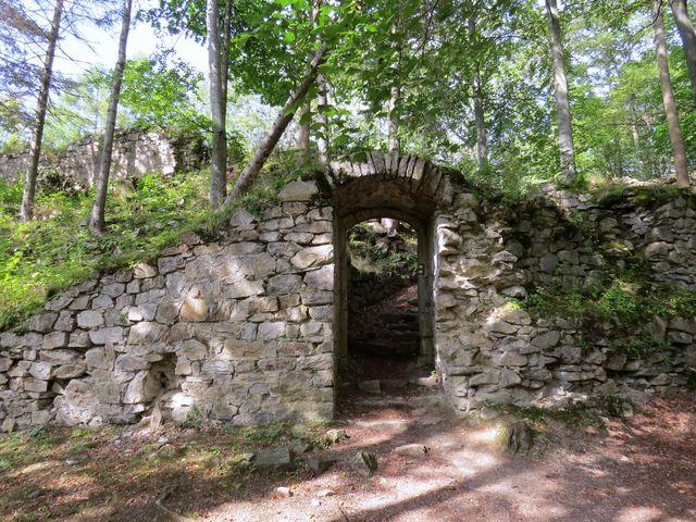 milovníci historie na začátku 20. století zpevnili zbytky hradu, aby se zachovaly pro budoucnost