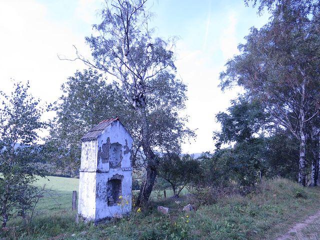 Boží muka u bývalých osad, odkud byli vysídleni Němci
