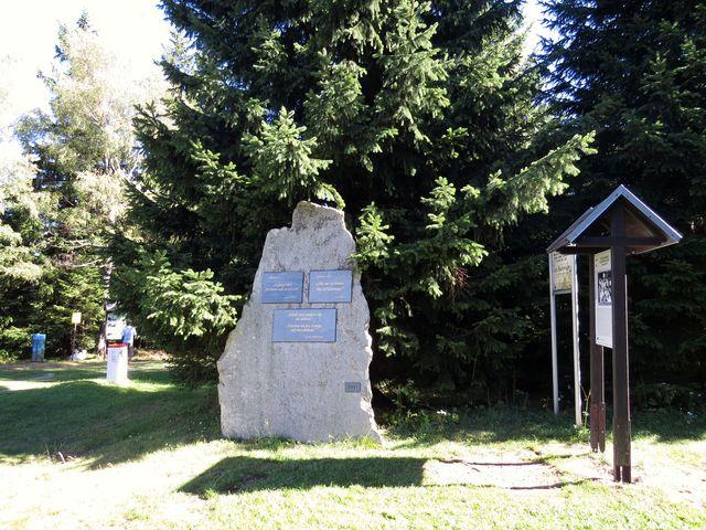 památník setkávání disidentů za totality na Borůvkové hoře