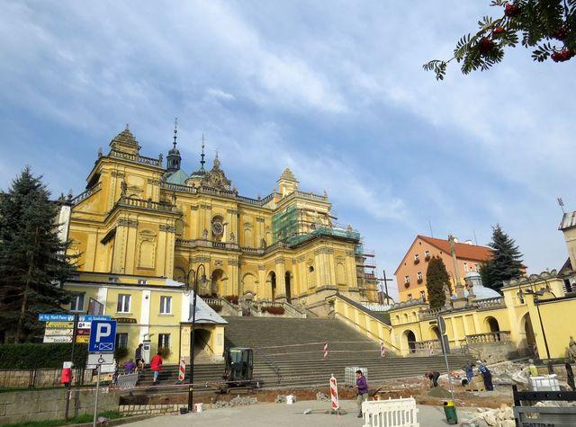 bazilika Panny Marie ve Vambeřicích; www.svatosi.cz