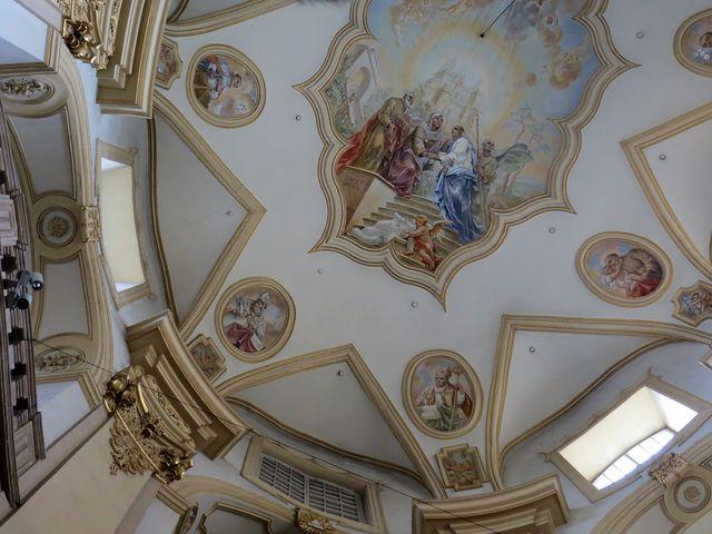 výzdoba klenby baziliky Panny Marie ve Vambeřicích