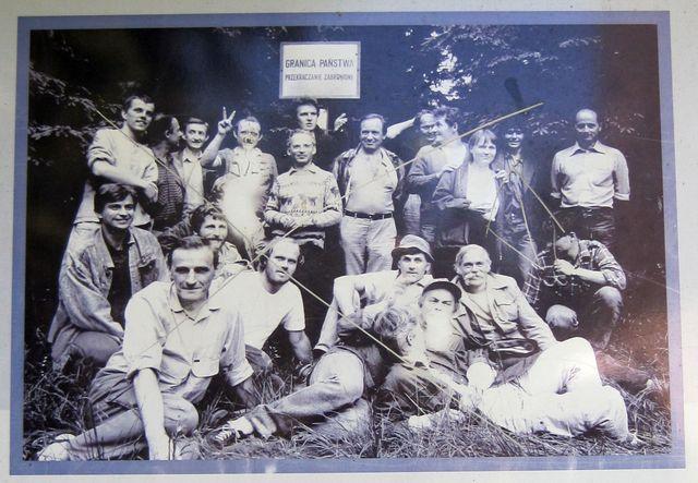 fotografie z infotabule - setkání českých a polských disidentů 1987