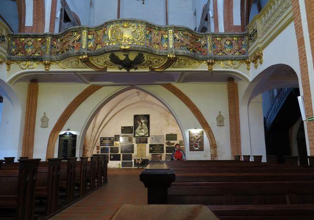 interiér kostela sv. Alžběty ve Wrocławi