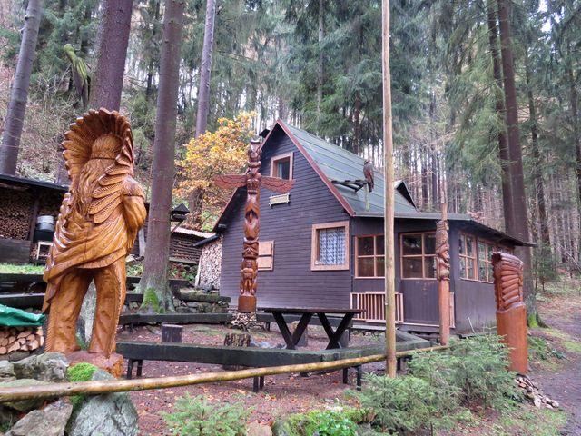 osada Peklo u Chrudimky je součástí přírodní rezervace Krkanka