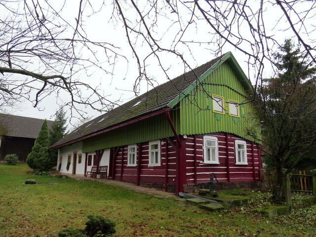 typická stavení ve zdejším kraji